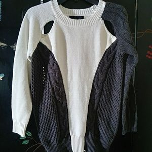 Arynk Ivory & gray color block   sweater